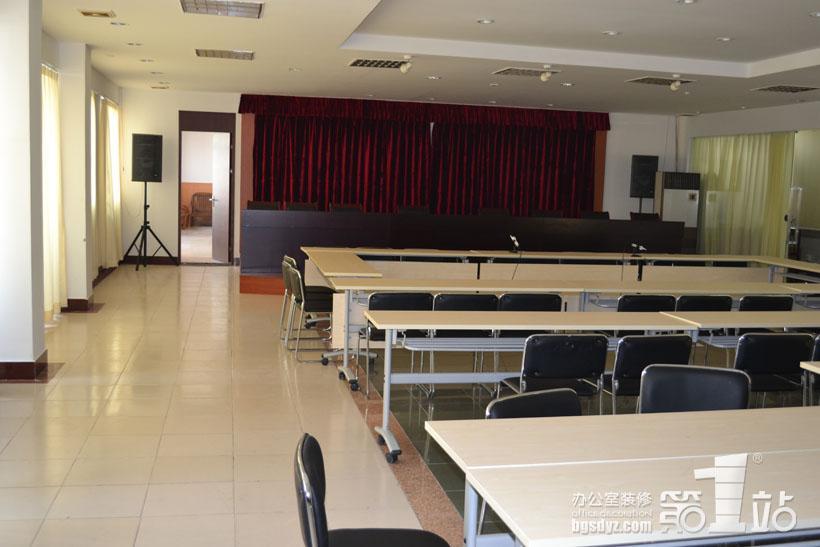 广州市公路工程公司办公室装修大会议室实景图-广州市公路工程公司
