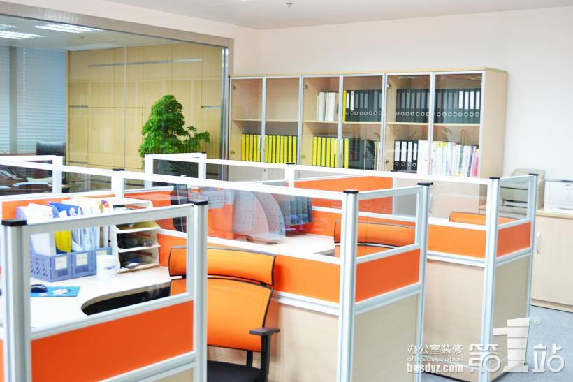 汕头龙兴机电设备有限公司(广州)办公室装修案例