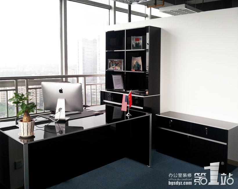 外貿服務咨詢公司辦公室裝修實景圖