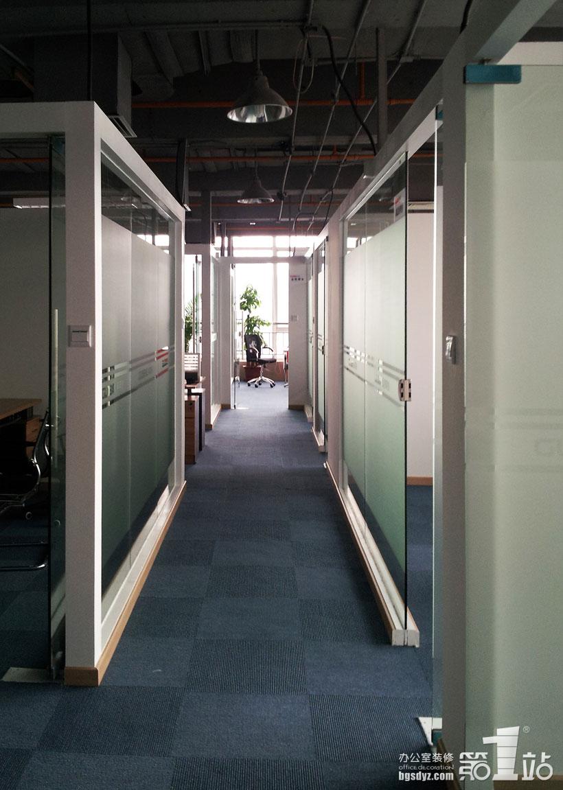 外贸服务咨询公司办公室装修实景图