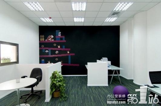景观式办公室设计等等,这里只介绍单元式的办公室设计的组合布局方式.