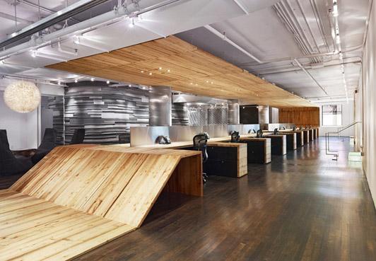 就像财务区那样, 办公室设计也需要做好私密性,保护好工作人员的工作