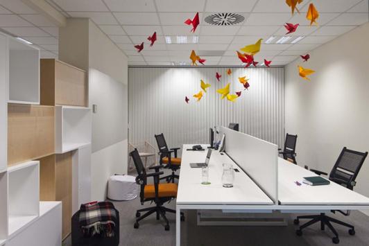 创意办公室设计平面图